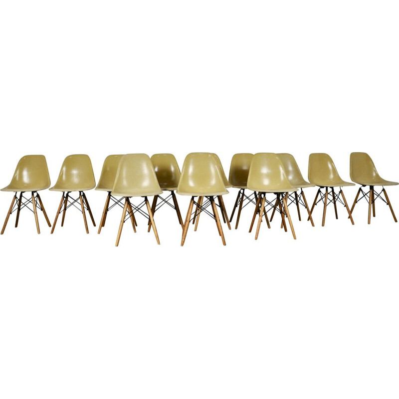 Set of 12 vintage beige DSW chairs DSW by Eames for Herman Miller 1970s