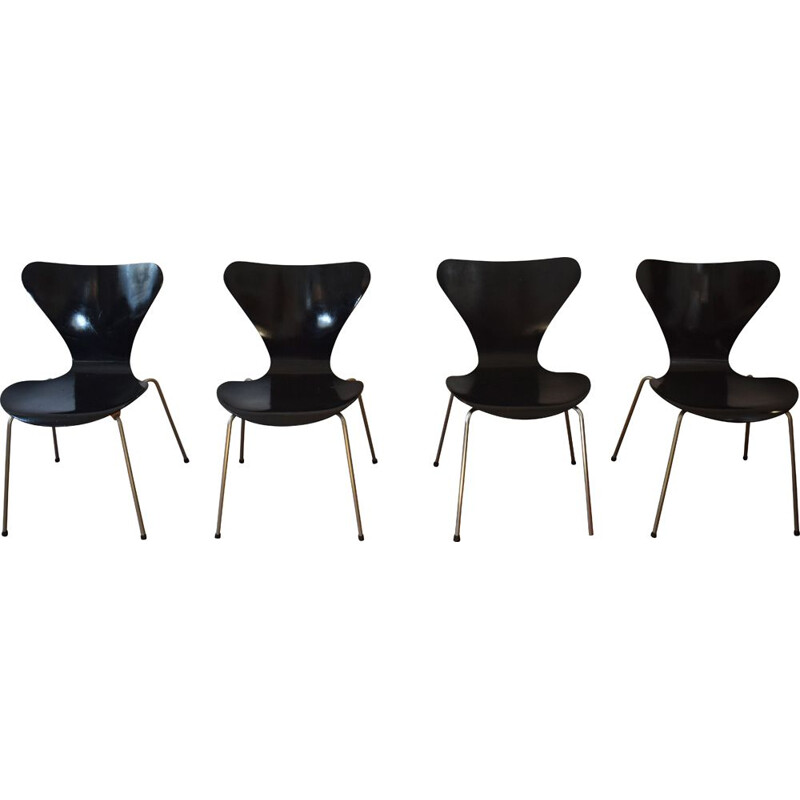"Vintage ""Series 7"" 4-chairs set by Arne Jacobsen's for Fritz Hansen, 1960"