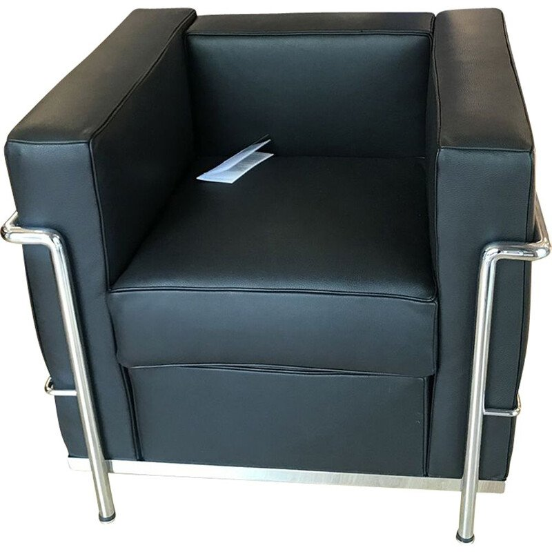 Vintage chair Le Corbusier - LC2 in black leather, 2010s