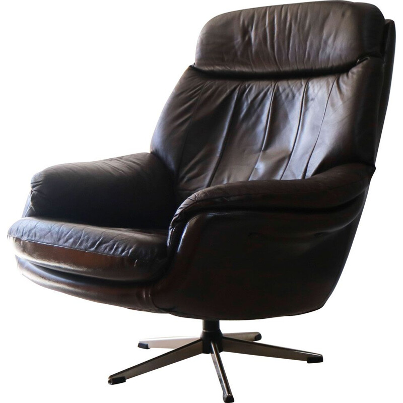 Vintage leather swivel lounge chair, 1960s