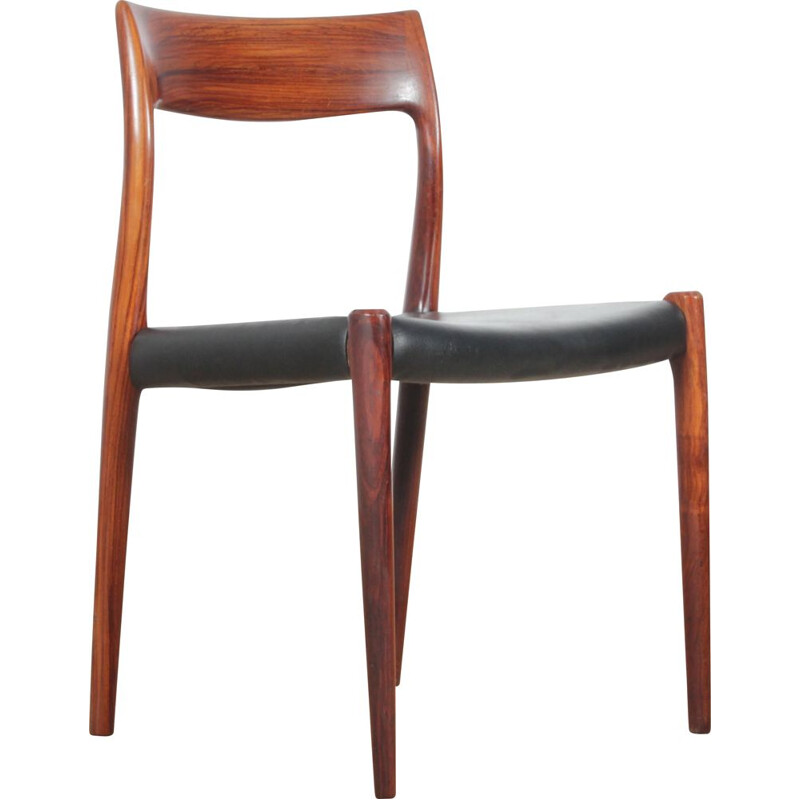 Vintage Set of 4 Scandinavian rosewood chairs model 77 Niels O. Møller, 1970