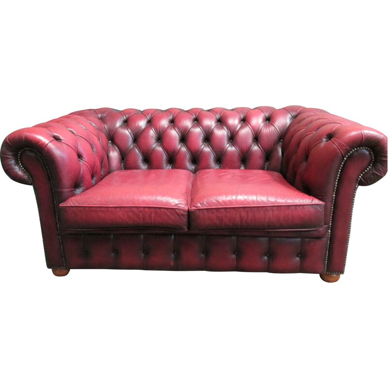 Vintage 2-seater chesterfield sofa in red leather