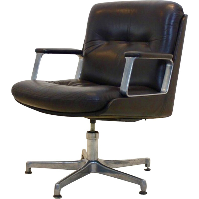 Vintage executive leather swivel chair by Vaghi, Italy 1960