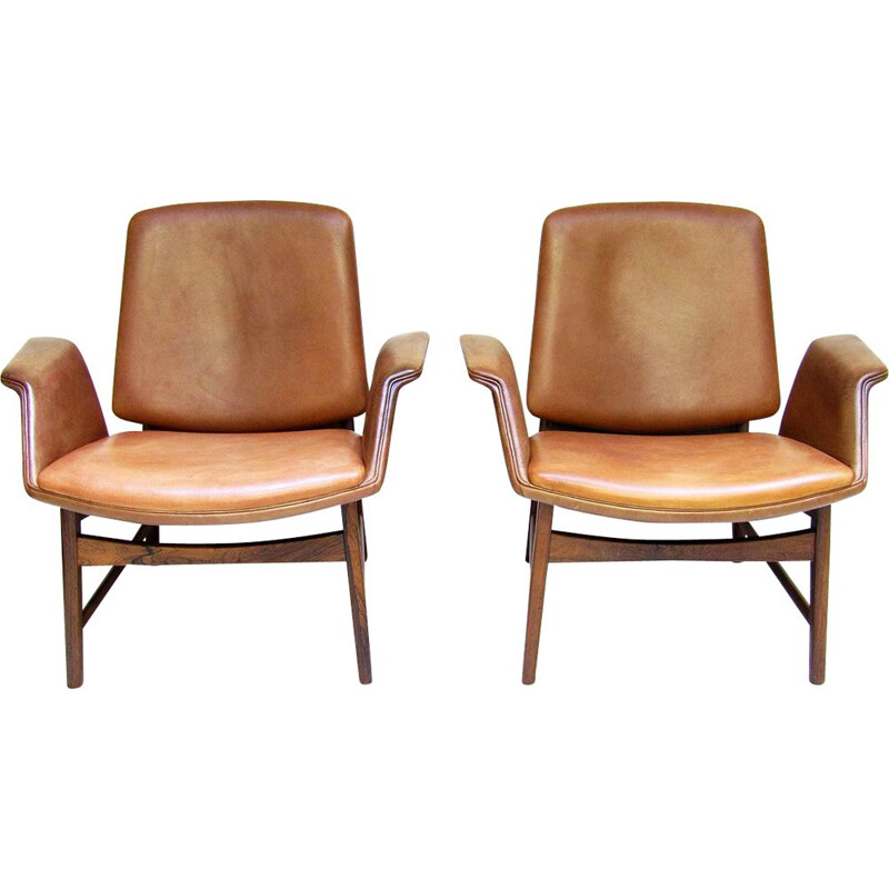 "Pair of Danish ""451"" Lounge Chairs By Illum Wikkelsø"