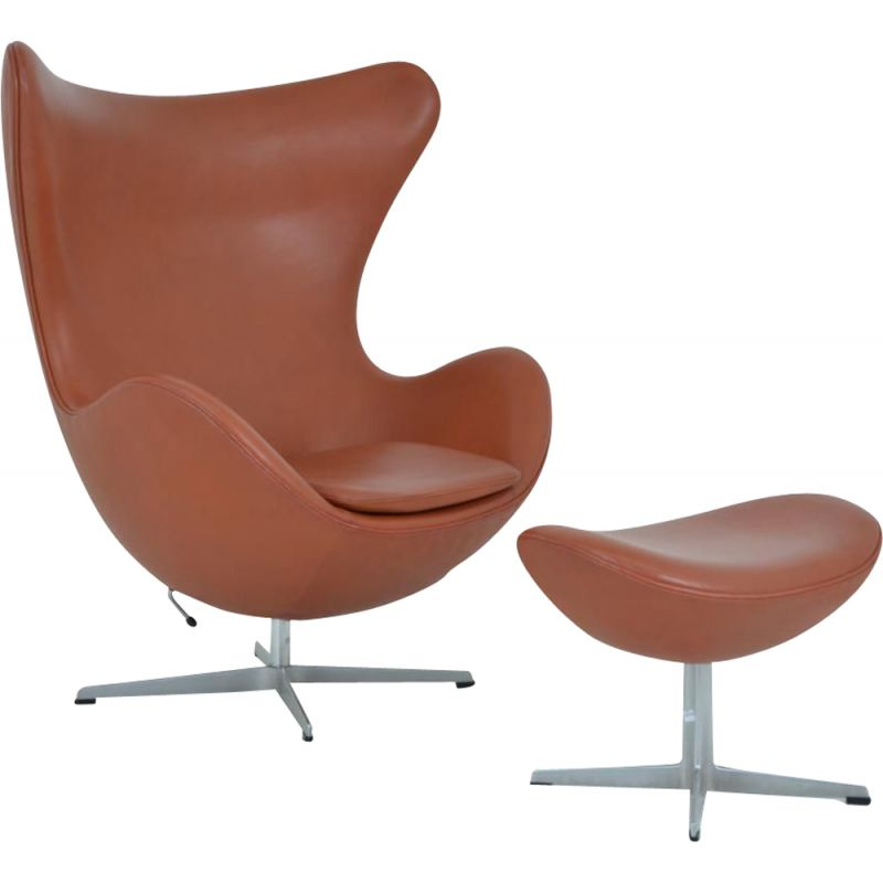 Vintage Egg chair and its ottoman by Arne Jacobsen for Fritz Hansen