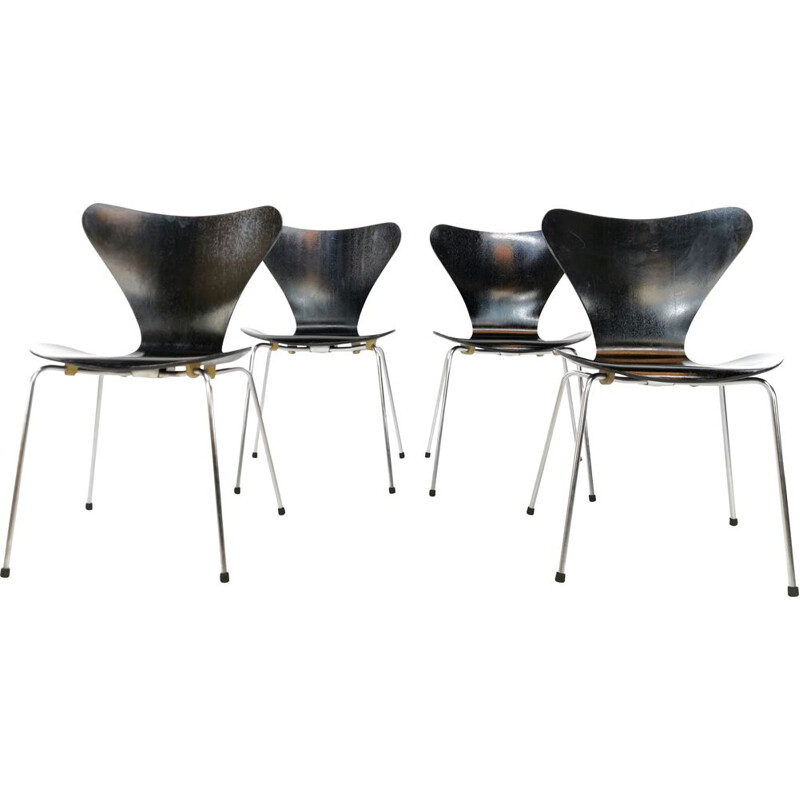 Set of 4 vintage dining chairs by Arne Jacobsen for Fritz Hansen , 1967