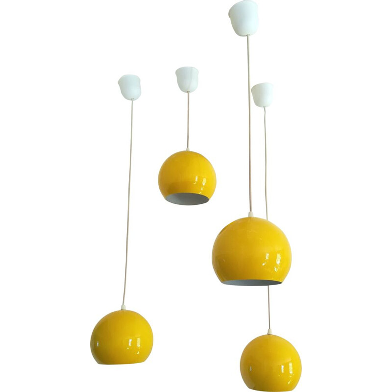 "Set of 4 yellow ""eyeball"" hanging lamps in enamelled metal"