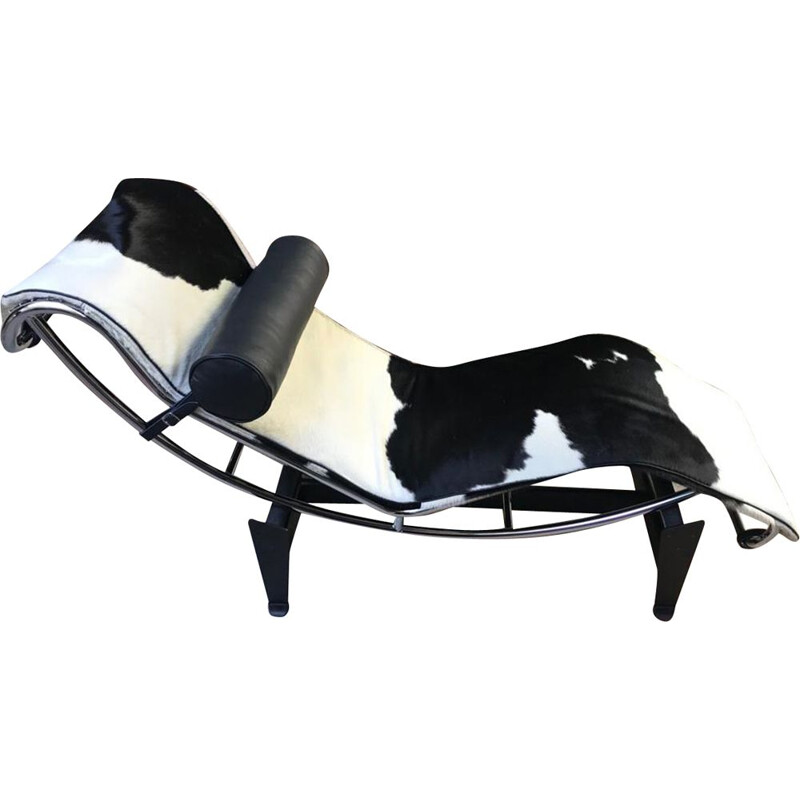 Long vintage LC4 white and black cowskin chair by Le Corbusier, 2010