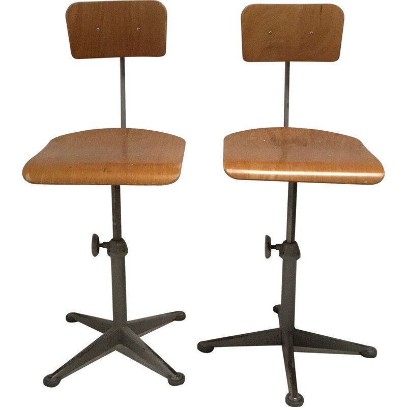 Vintage pair of industrial desk chairs by Friso Kramer for Ahrend the circle