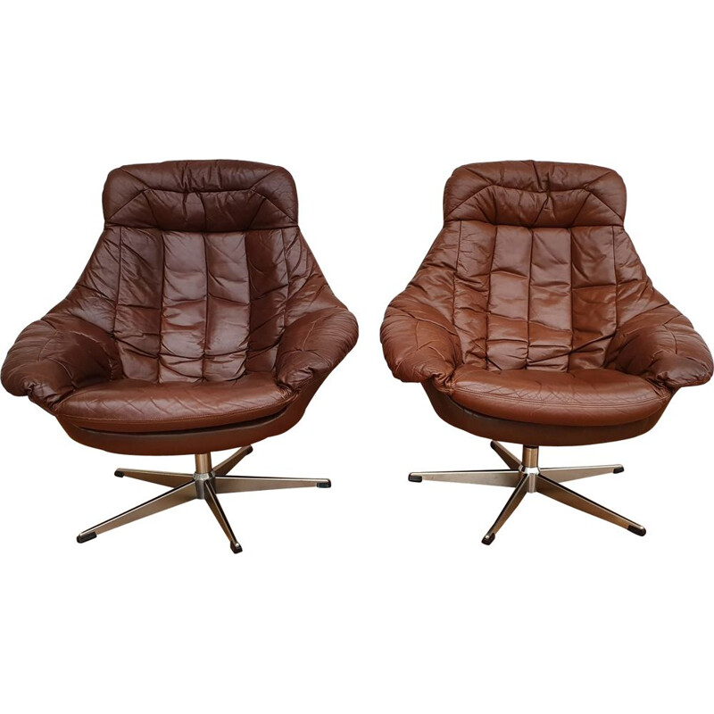 Set of 2 vintage high-backed armchairs by Henry Walter Klein, 1970s