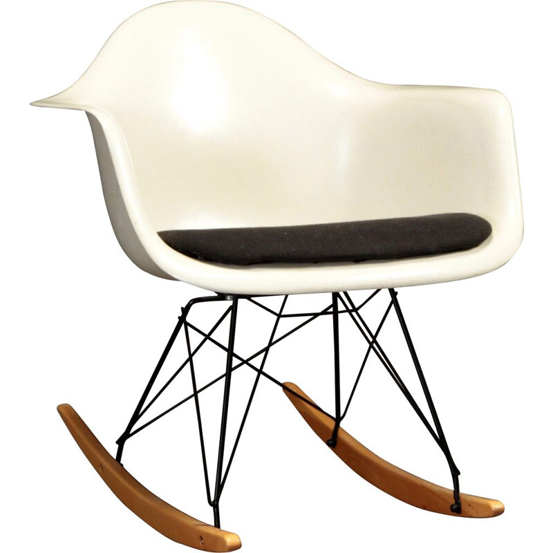Vintage rocking chair by Charles and Ray Eames for Herman Miller, 1950s
