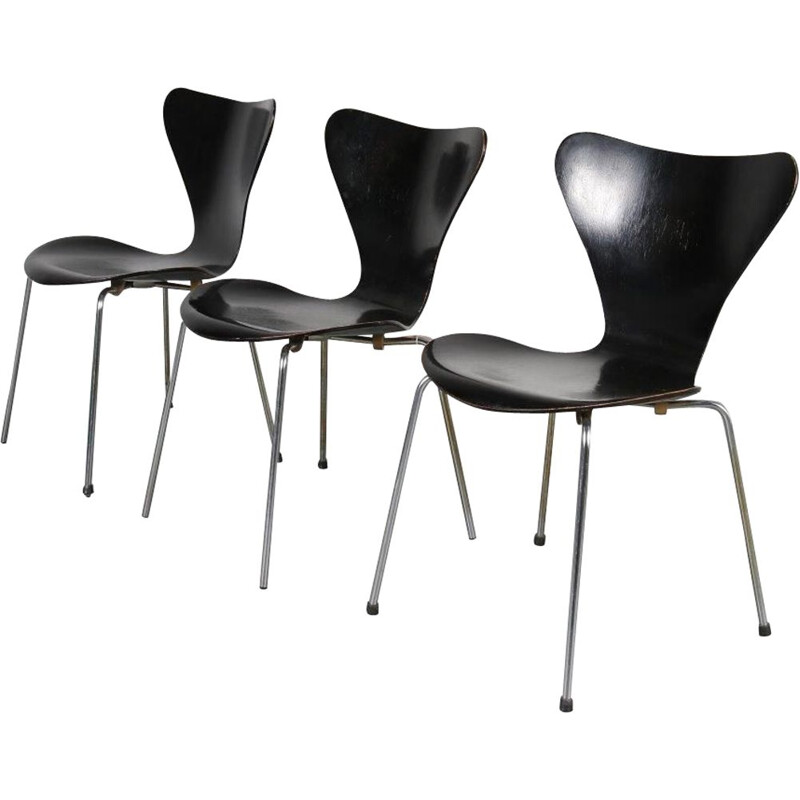 "Vintage ""butterfly"" chairs by Arne Jacobsen from Fritz Hansen, Denmark, 1950s"