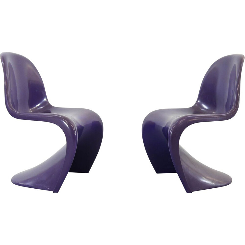 Pair of vintage Panton S-chairs in purple by Verner Panton for Herman Miller, 1971 and 1973