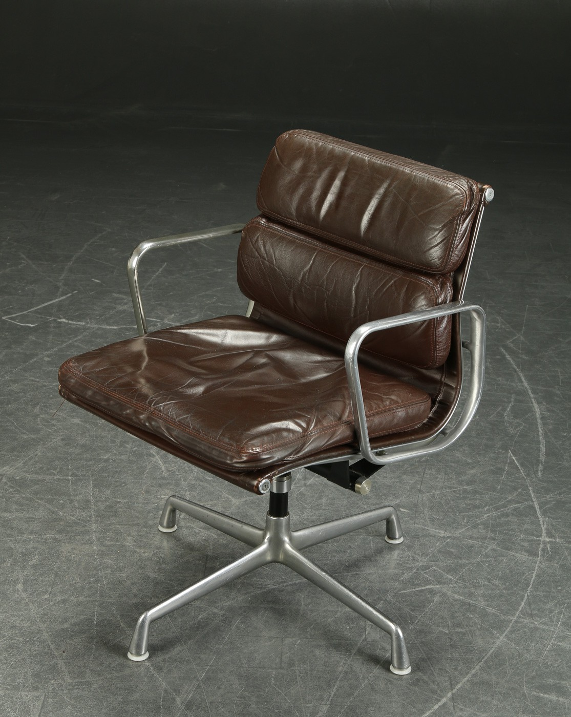 Herman Miller desk armchair in leather, Charles and Ray ...