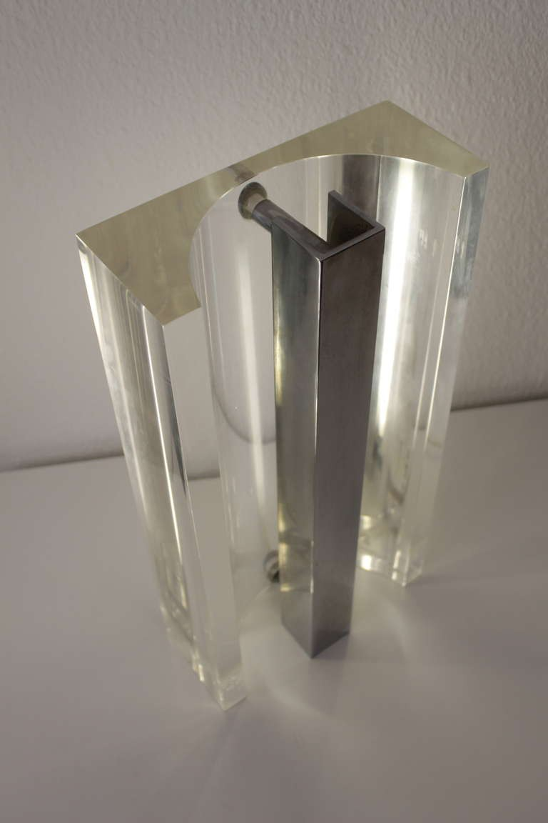 Vintage table lamp in plexiglass and inox - 1970s - Design Market