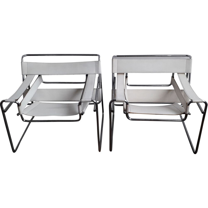 Set of 2 vintage white wassily chairs produced by Alivar 1980