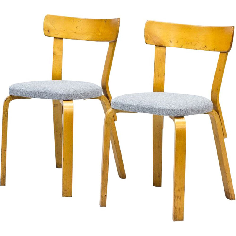 Pair of vintage Model 69 Chairs by Alvar Aalto