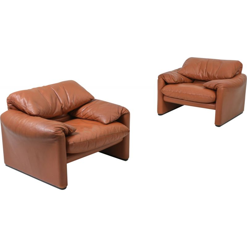 Vintage Maralunga cognac leather club chairs by Vico Magistretti for Cassina, 1974