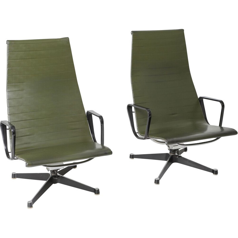 Pair of vintage EA124 lounge chairs Charles & Ray Eames in Green Leather by Herman Miller 1970