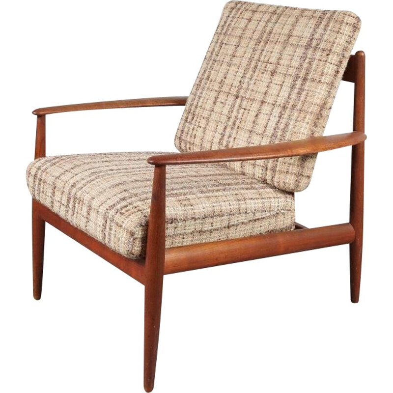 Vintage lounge chair  designed by Grete Jalk, manufactured by France & Daverkosen in Denmark 1950