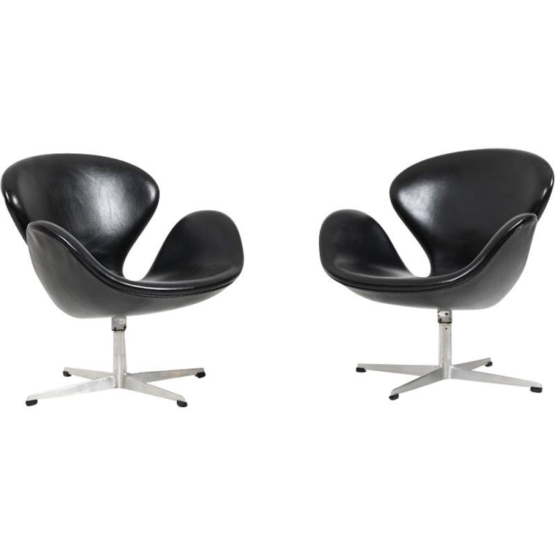 Set of 2 vintage Swan armchairs by Arne Jacobsen for Fritz Hansen, 1963
