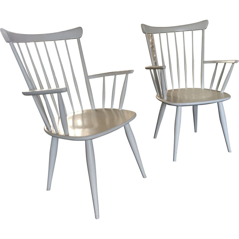 Set of 2 white spindle back vintage armchairs, 1950s