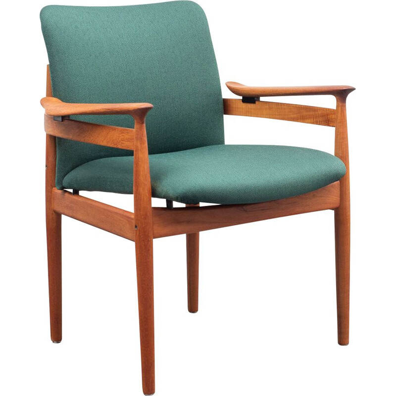 Vintage danish armchair by Finn Juhl, model FD192, professionally restored 1960