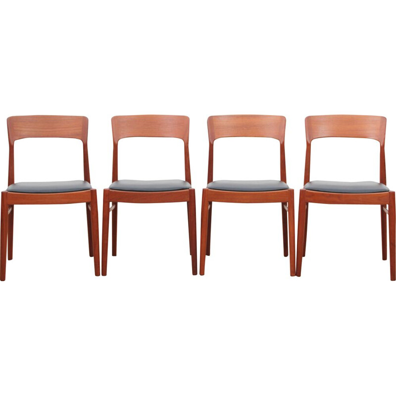 Set of 4 vintage chairs model 26 in teak, Henning KJAERNULF