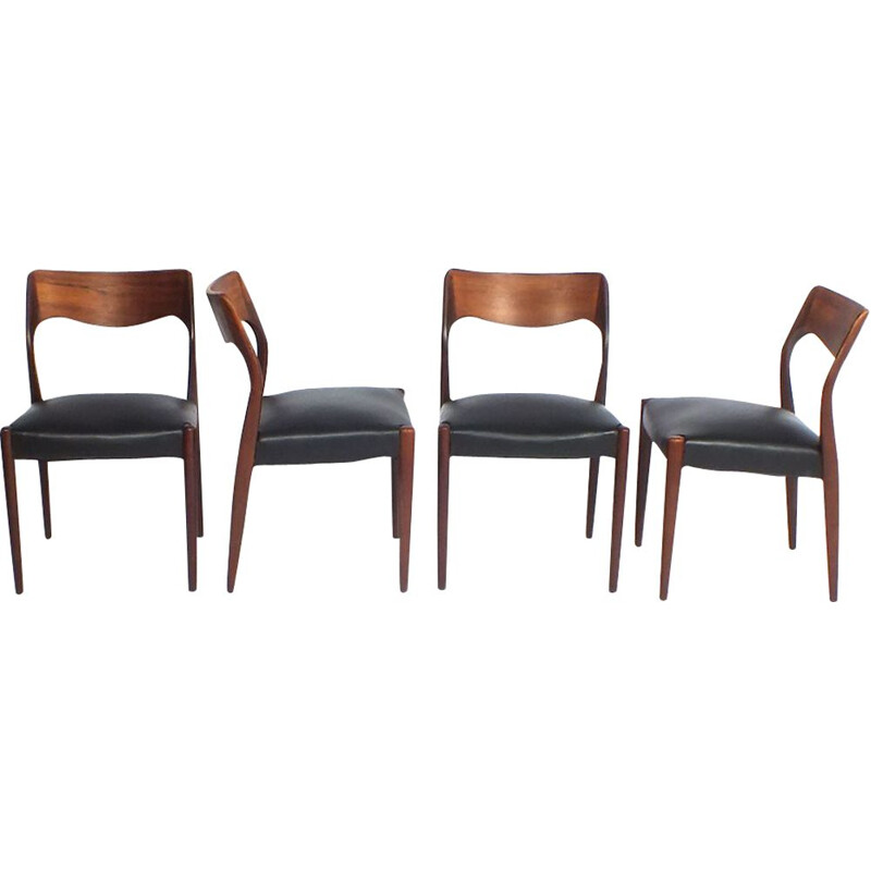 Set of 4 vintage rosewood dining chairs model 71 by Niels O. Møller for J.L. Møller