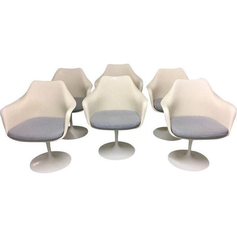 Set of 6 swivel tulip chairs by Eero Saarinen for Knoll International