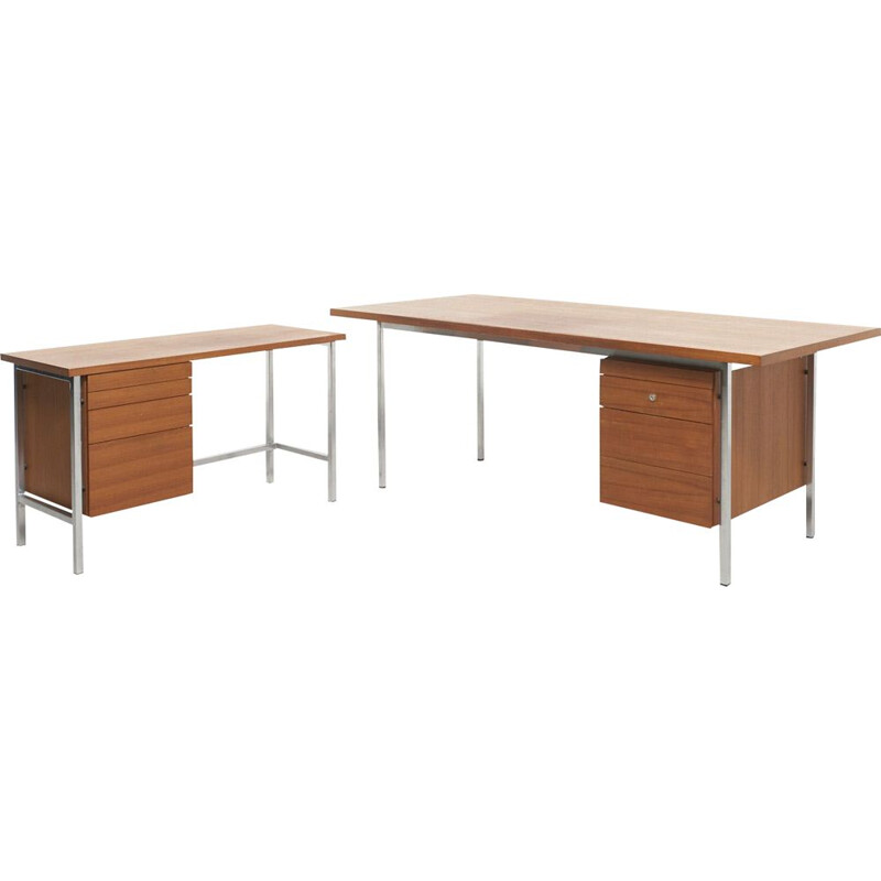 Vintage corner desk model 1500 by Florence Knoll