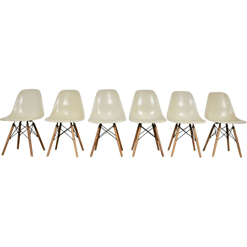 Set of 6 vintage chairs by Charles & Ray Eames for Herman Miller, 1970s