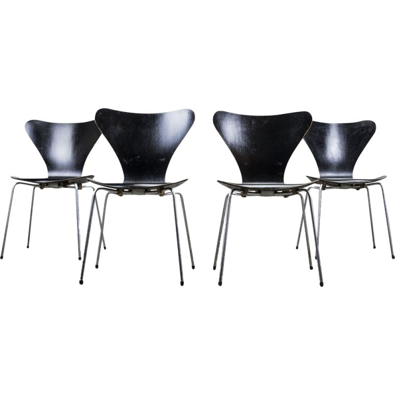 Set of 4 vintage dining chairs series 7 by Arne Jacobsen for Fritz Hansen, 1950s
