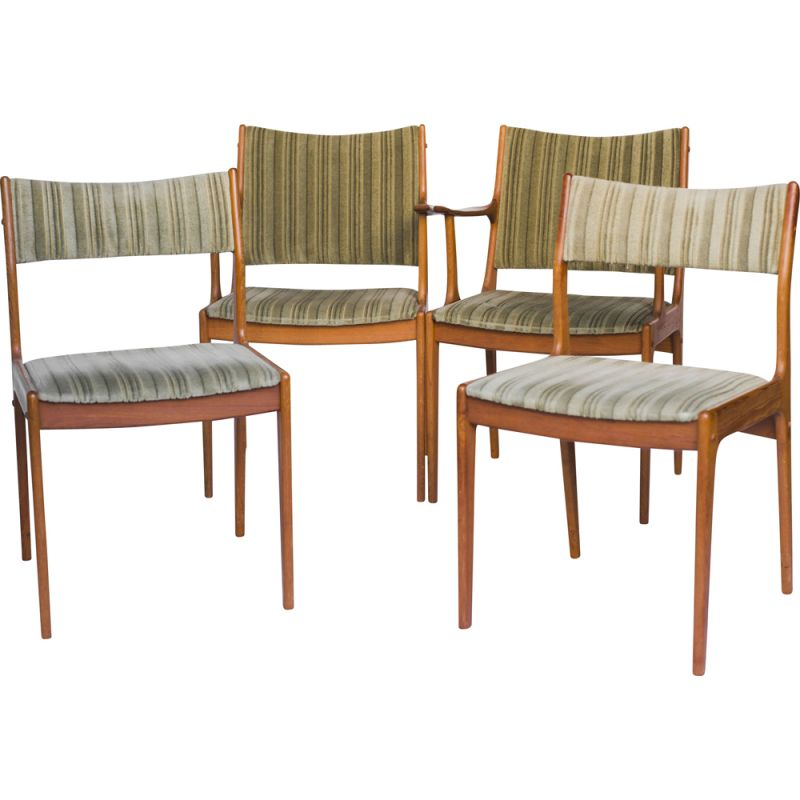Set of 4 vintage UM85 dining chairs by Johannes Andersen for Uldum Møbelfabrik