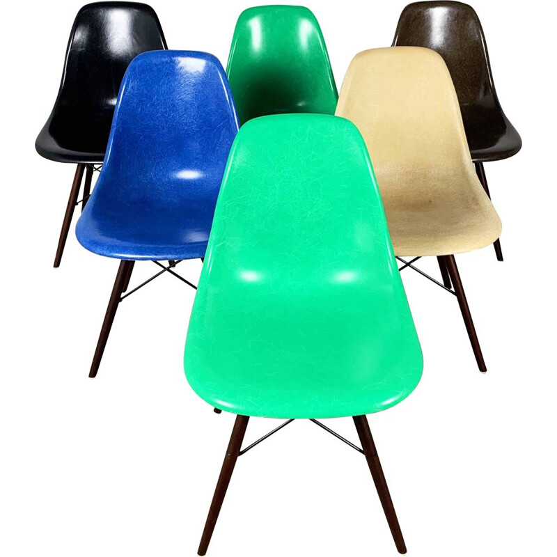 Set of 6 vintage Fiberglass DSW Dining Chairs by Charles & Ray Eames for Herman Miller, 1980s