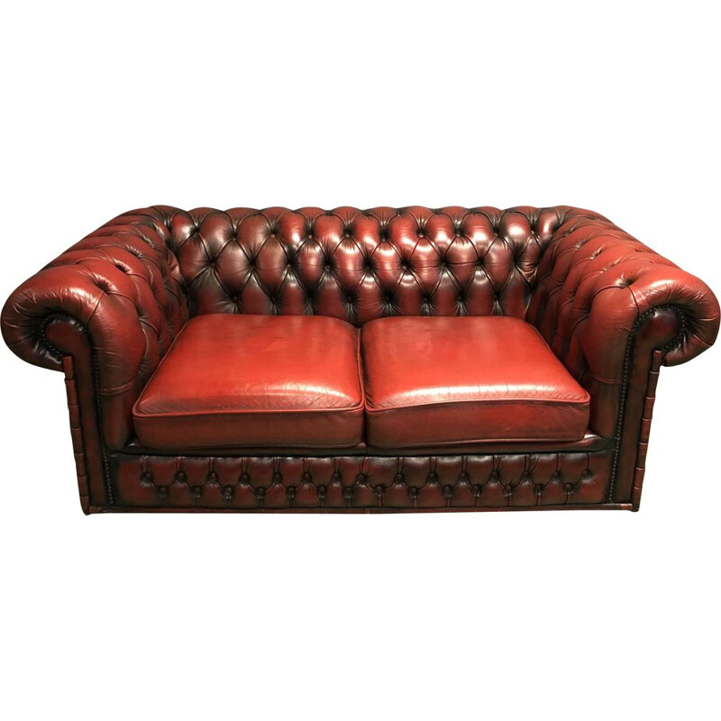 Vintage Chesterfield sofa in red leather 1970