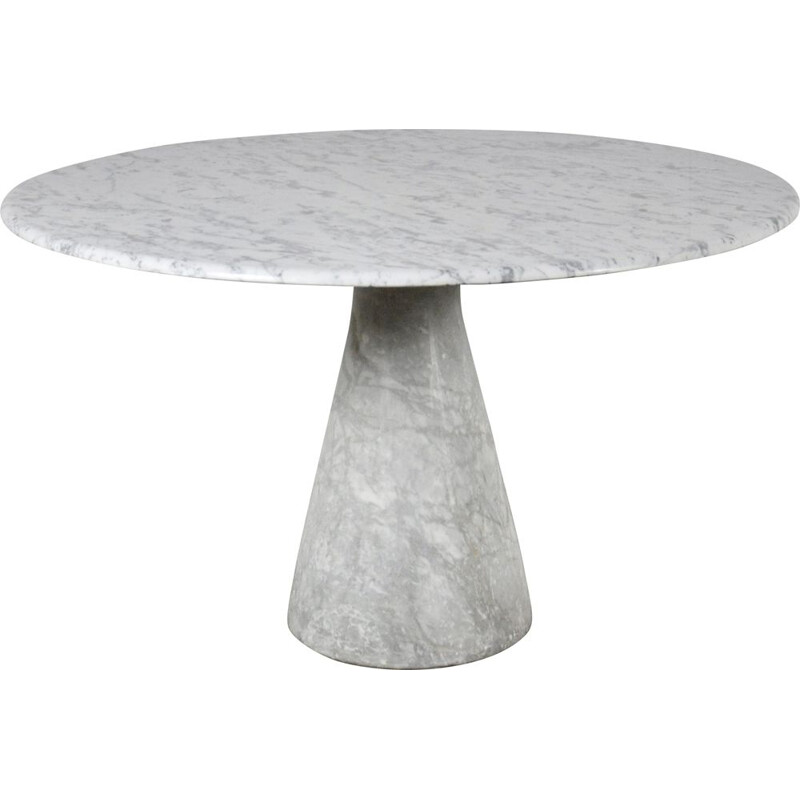 Round dining table in carrara marble 1970