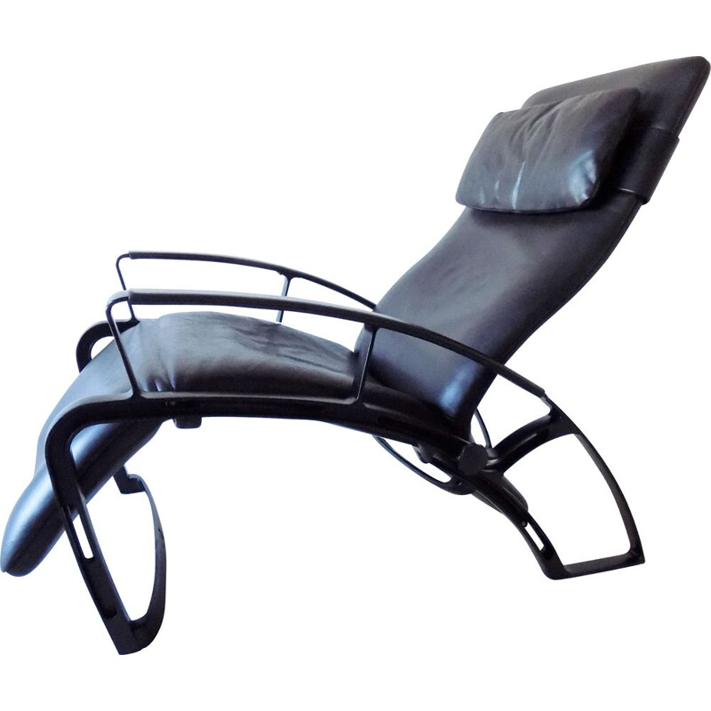 Vintage Interprofil IP84S Black Leather Recling chair by Ferdinand a. Porsche
