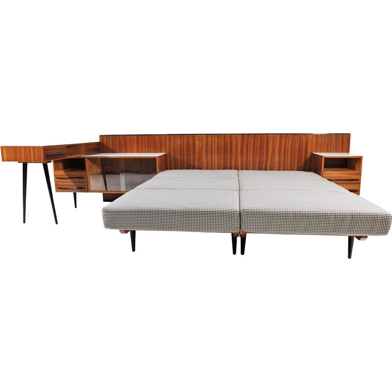 Bed and desk set by Jindřich Halabala for UP Závody, 1960s
