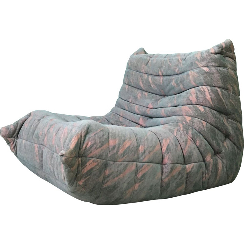 Vintage Togo One Seater sofa in grey pink color by Ligne Roset