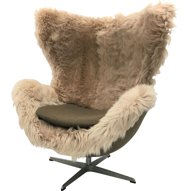 Vintage Sheepskin Danish Egg Chair Armchair by Arne Jacobsen for Fritz Hansen