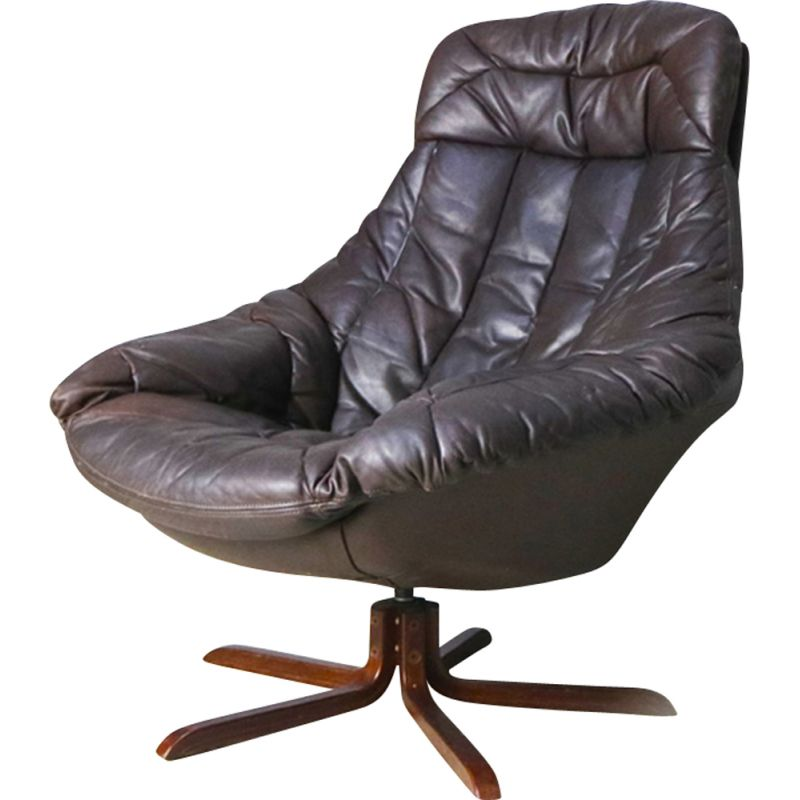 Vintage brown leather swivel Lounge chair by H W Klein for Bramin