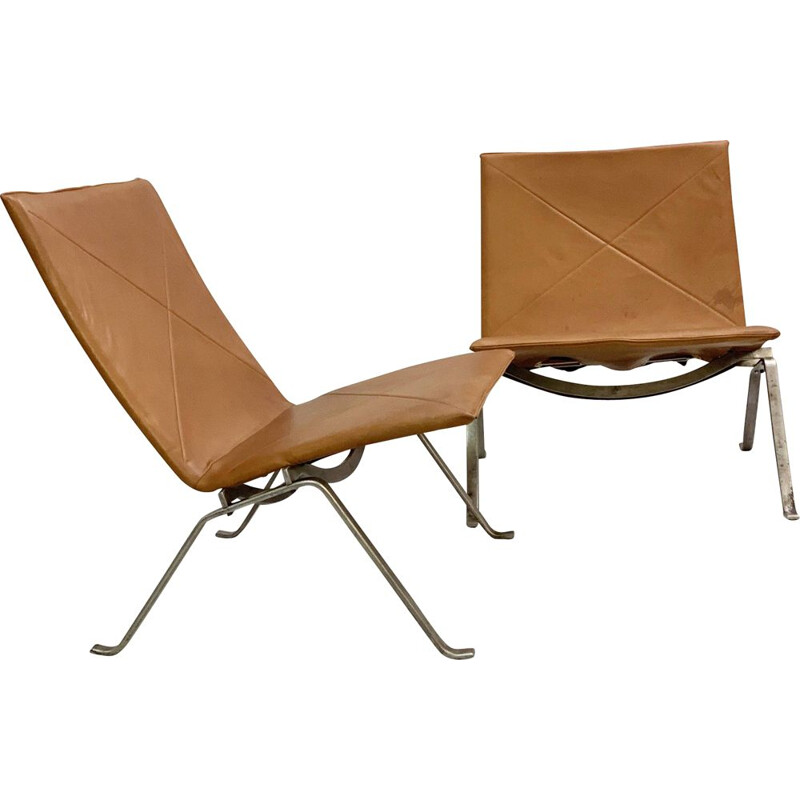 Pair Of Vintage Chairs PK22 by Poul Kjærholm