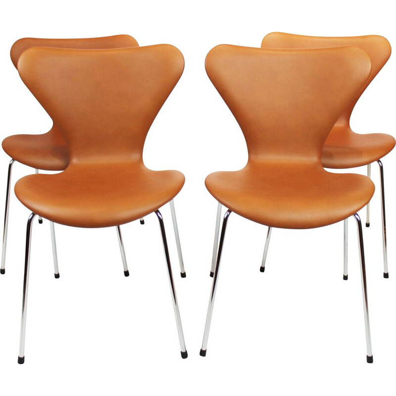 Set of 4 Seven chairs, model 3107 by Arne Jacobsen from Fritz Hansen