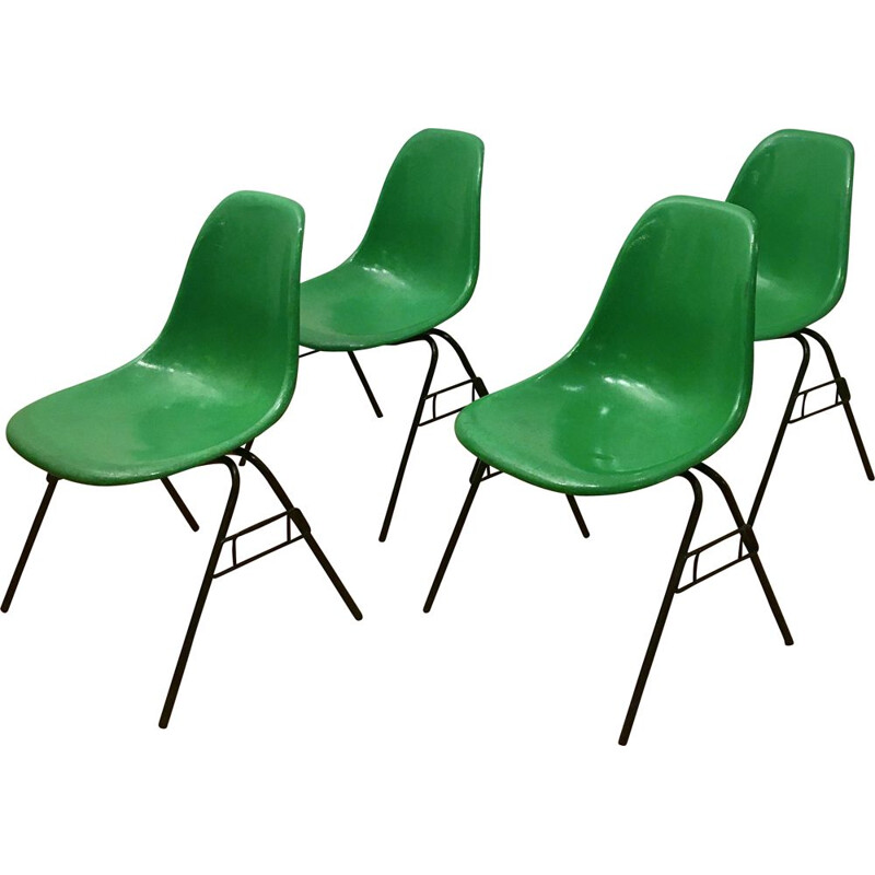 Set of 4 DSS chairs by Charles and Ray Eames, green Kelly