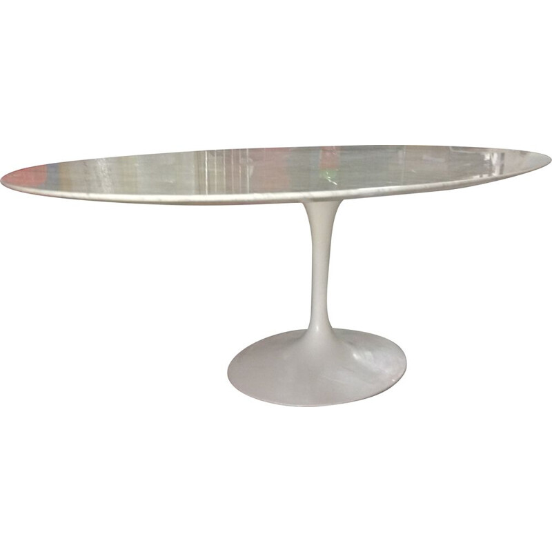 Vintage tulip oval table 244 in white marble by Eero Saarinen for Knoll 1977