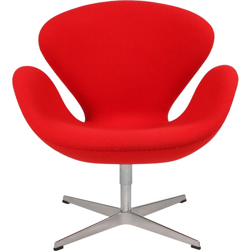 Vintage red swan chair by Arne Jacobsen for Fritz Hansen 1950s