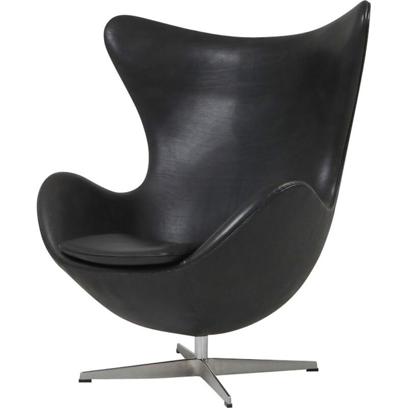 Vintage black leather Egg chair by Arne Jacobsen for Fritz Hansen, 2009