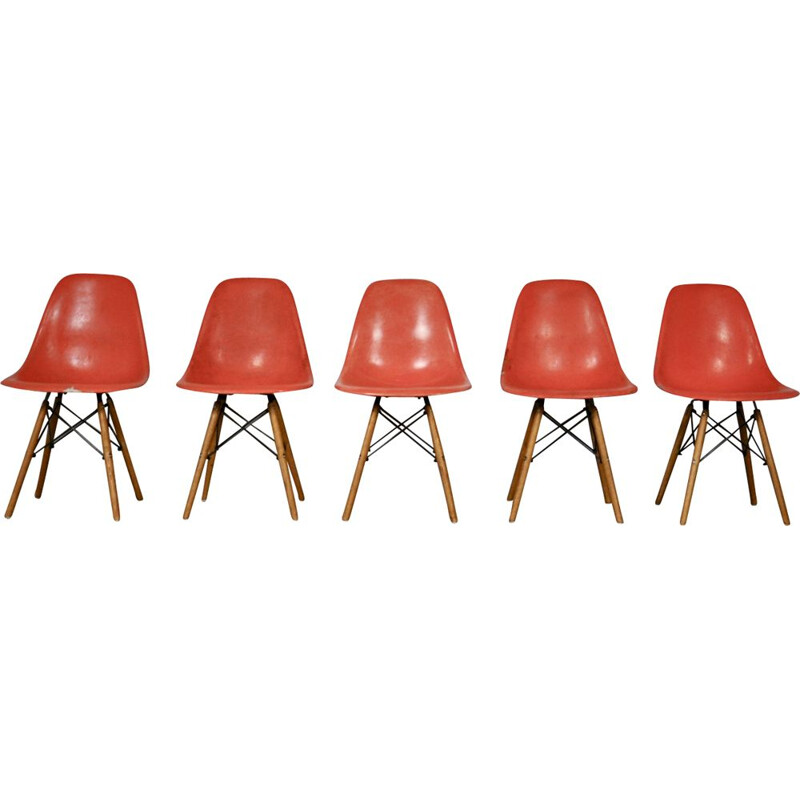 Set of 5 Charles and Ray Eames DSW dining chairs for Herman Miller, 1970's