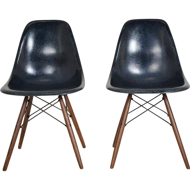 Set of 2 vintage Dsw chairs by Charles and Ray Eames, Herman Miller publisher